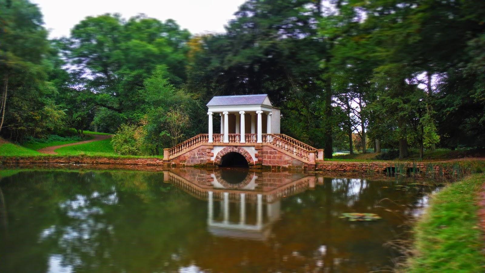 Palladian+Bridge_Hagley+Hall_Georgian+Garden+Building