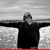 Tiago Iorc lança o clipe 'Um Dia Após o Outro'
