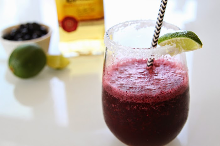 Skinny Blueberry Lime Margarita