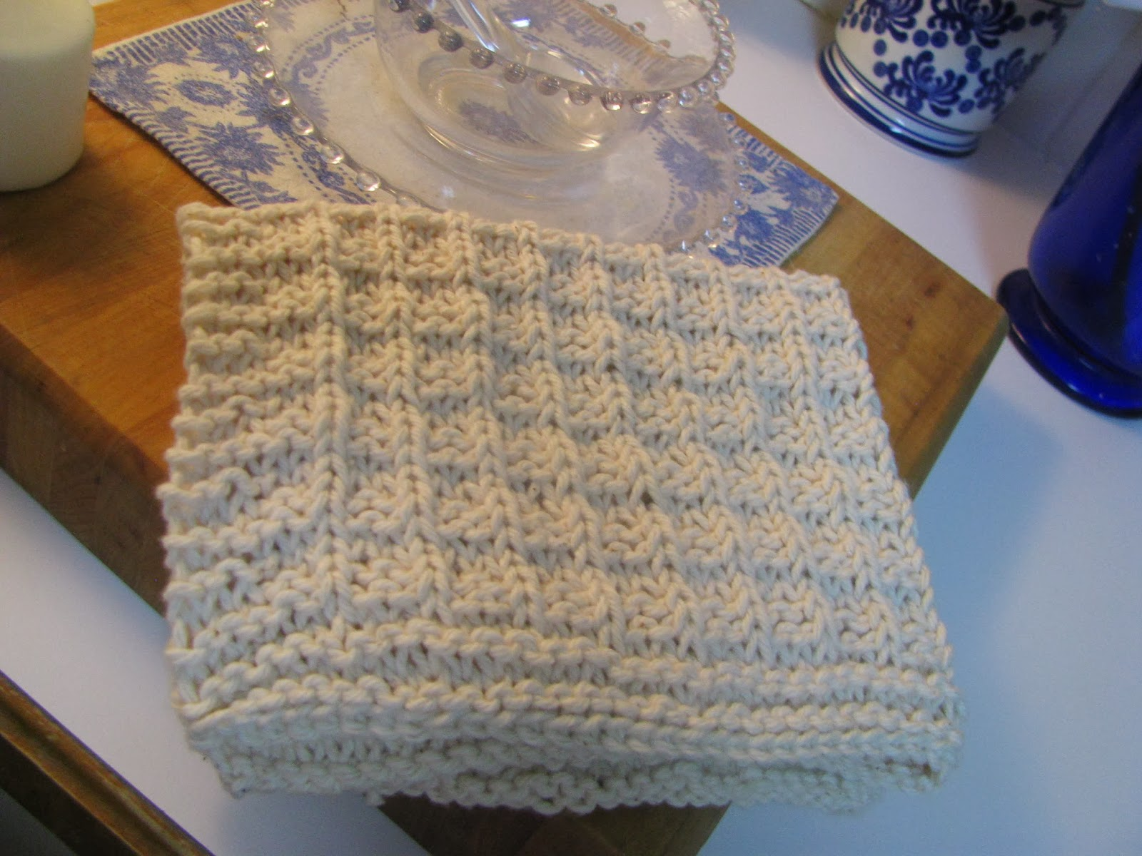 Knitted Dish Towel Pattern : Little Family in the Big Woods: Knitted Dish Towel