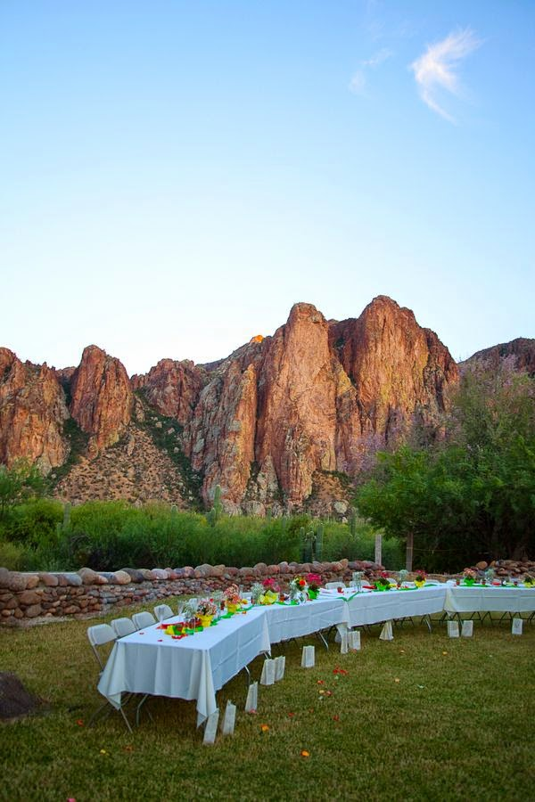 http://rusticweddingchic.com/mesa-arizona-rustic-wedding#.T7T_dauMTy4.pinterest