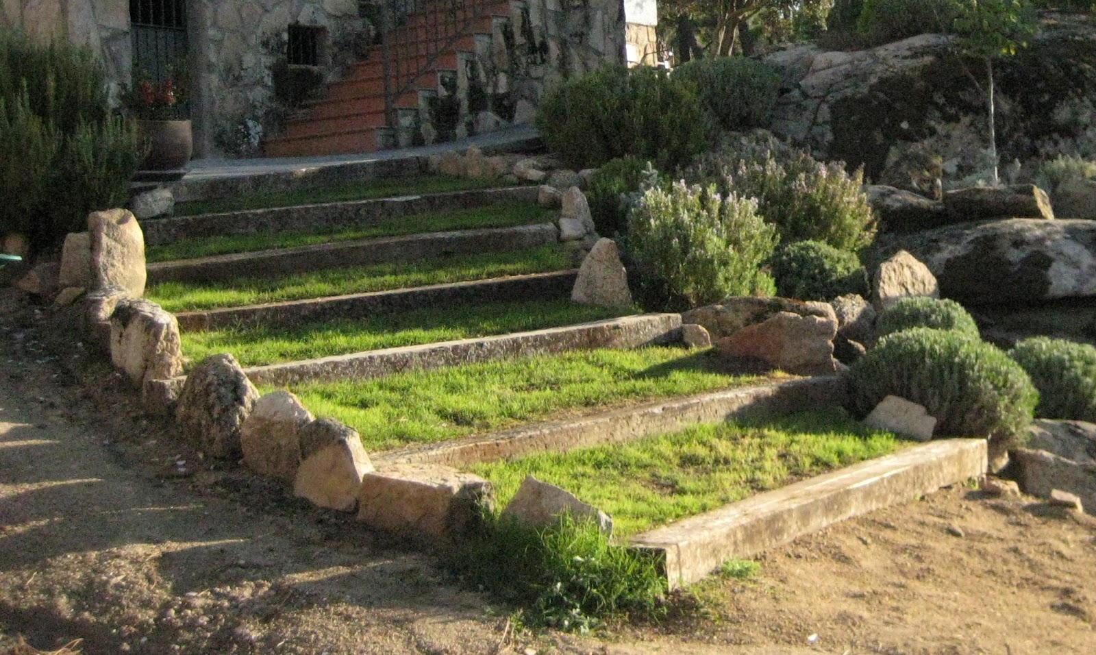 Invernablog jardines for Escalera de bloque de jardin