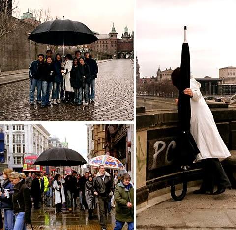 paraguas enormes para evitar mojarse