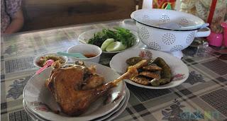 ayam goreng mbah cemplung, kuliner jogja, ayam goreng, kuliner jogja