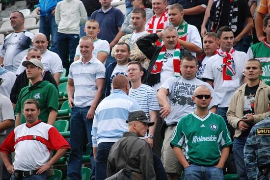 Kibice Legii podczas meczu z FK Moskwa w 2008 r. - fot. Tomasz Janus / sportnaukowo.pl