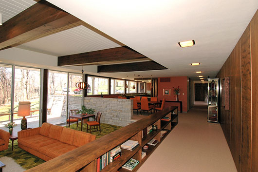 Amazing View Of A Mid Century Modern Homelove It!