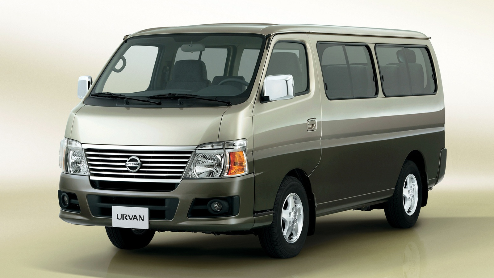 nissan nv350 caravan. Black Bedroom Furniture Sets. Home Design Ideas