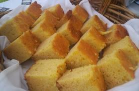 pan de maíz, torta de maíz, pan casero de maiz, pastel de maíz, como hacer torta de maíz, como hacer pan de maiz, como hago pan de maiz, ingredientes para el pan de maiz, imagenes de pan de maiz, pastel de maiz en cuadros, pan de maiz en trozos, pan de maiz cortado
