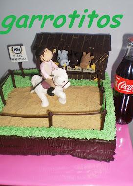tamaño de tarta hípica con amazona montando a caballo