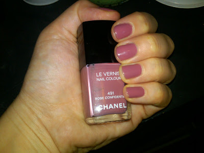 Chanel, Chanel Rose Confidentiel, Chanel Le Vernis Nail Color, Chanel Le Vernis Nail Color Rose Confidentiel, nail, nails, nail polish, polish, lacquer, nail lacquer, mani, manicure, mani of the week, manicure of the week
