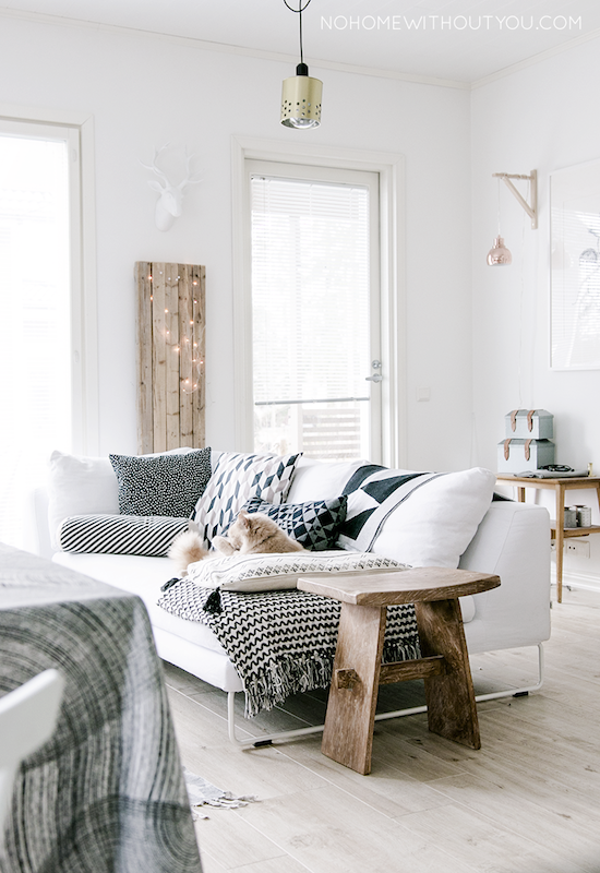An incredibly cosy finnish family home my scandinavian for Sofa skandinavisches design