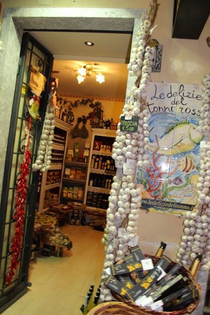 negozio prodotti tipici a taormina