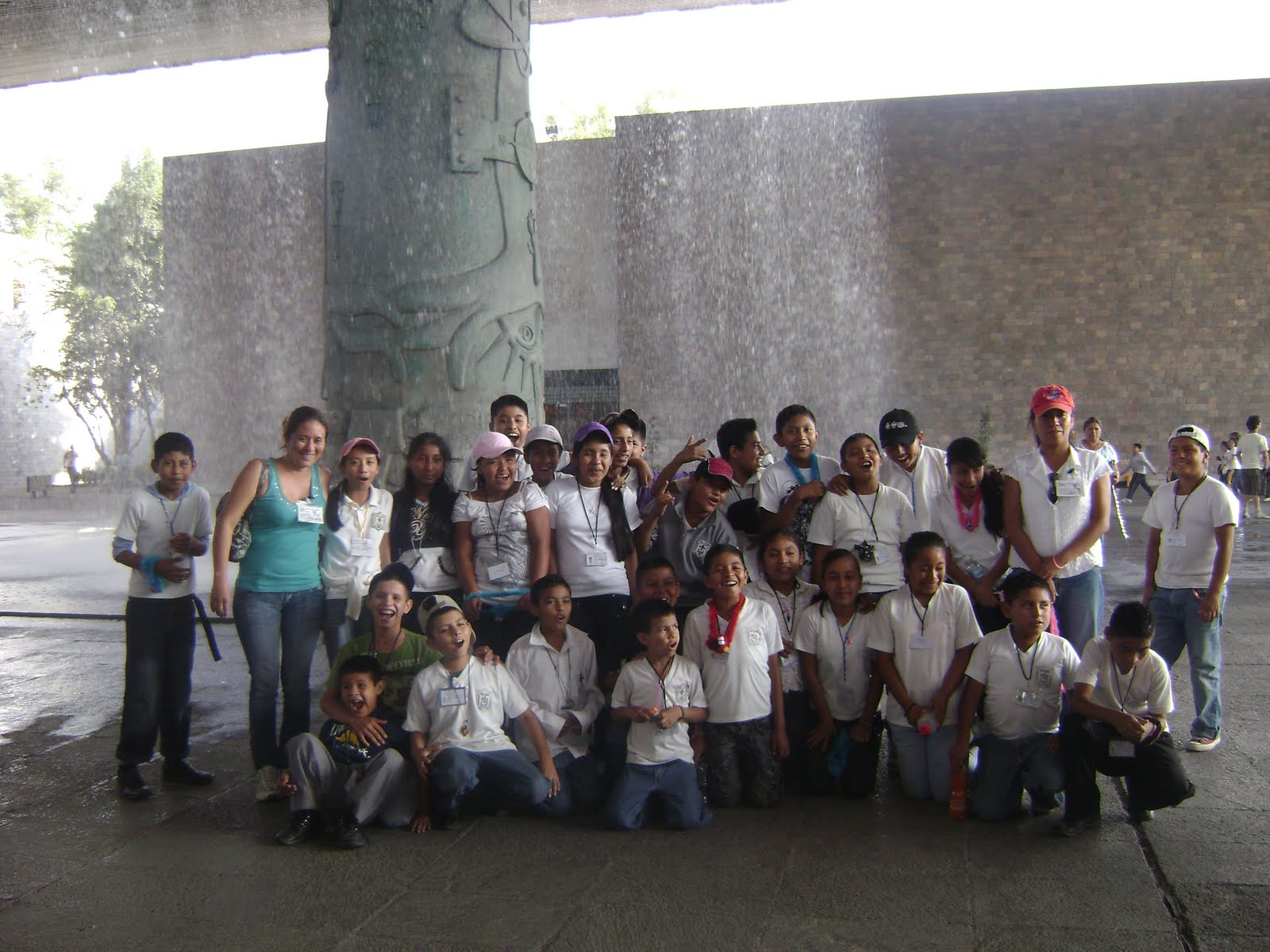 Sidaryrovirosa museo de antropologia e historia for Mural nuestra carne