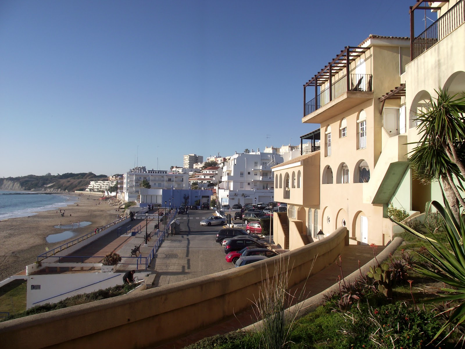 Vivienda pie de ola junto base rota home sale next to beach and the naval station rota - Tren el puerto de santa maria madrid ...