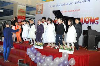 trung tâm âm nhạc piano fun biểu diễn giáng sinh