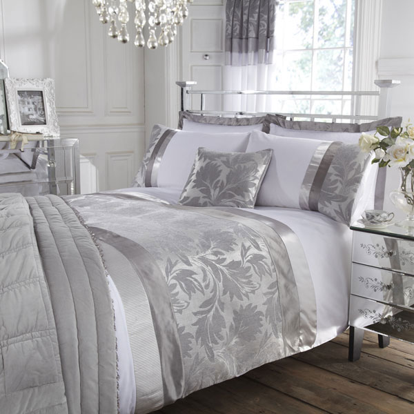 Modern furniture luxury modern bedding design 2011 collection for Bedroom ideas silver