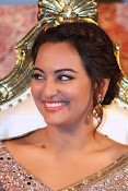 Sonakshi Sinha at Lingaa Audio-thumbnail-9