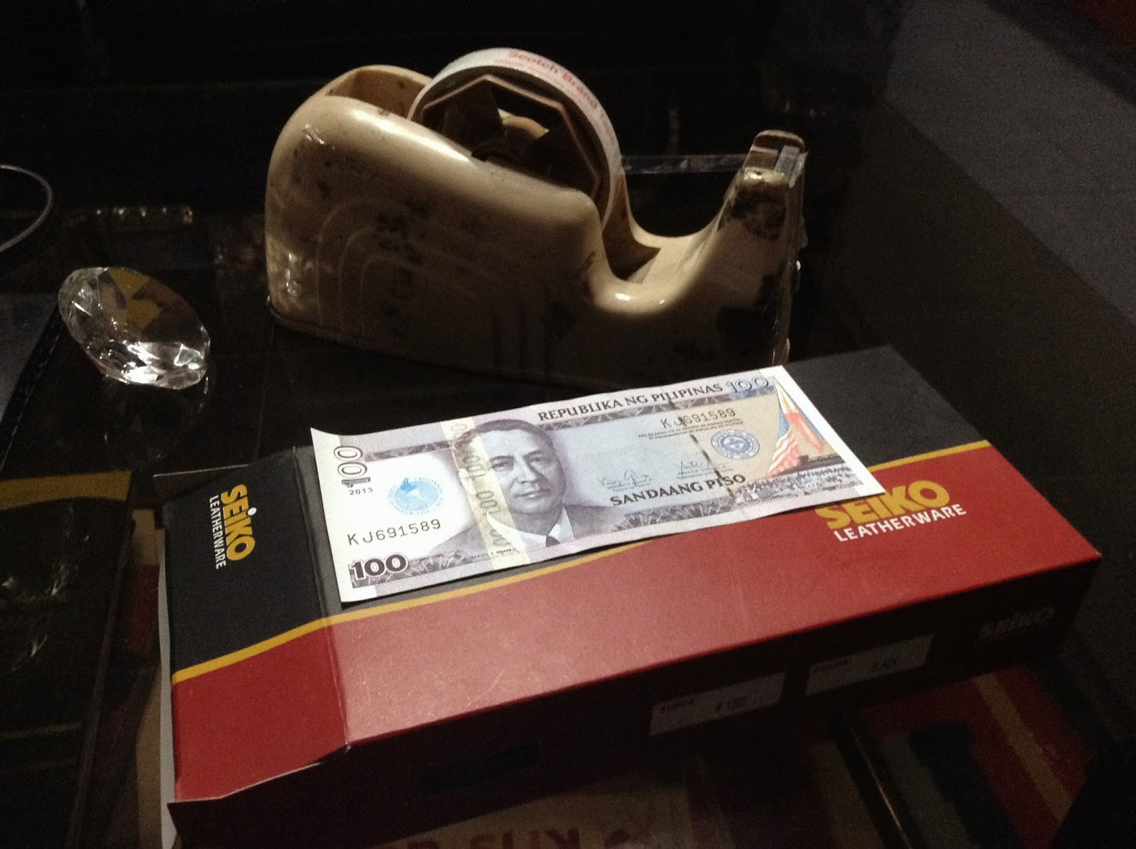 Homemade paper money box sari saring isip 1 choose an empty durable box that fits all your paper bills sciox Images