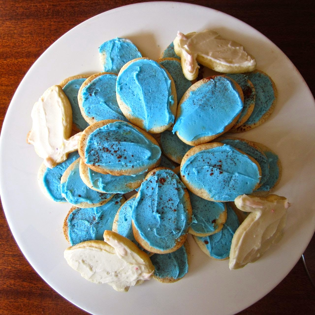 iced Easter cookies