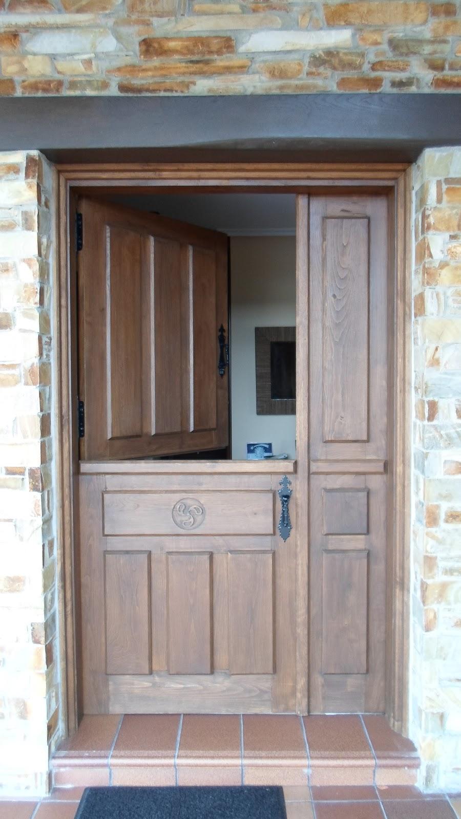 Con madera puertas de entrada for Puerta entrada madera