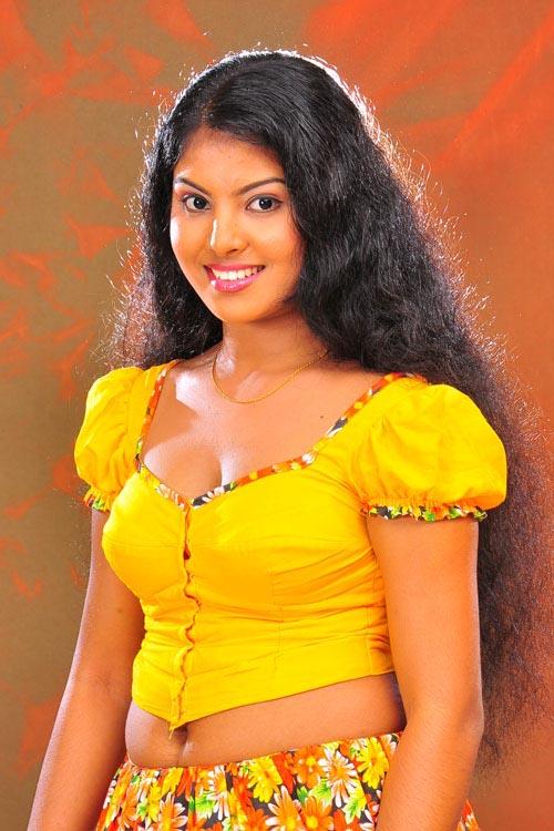 She Is Most Famous In Malee Teledrama With Telecating In Dearana T V Sri Lanka She Is 2010 Wining Awrudu Kumari In National Rupavahini In Sri Lanka