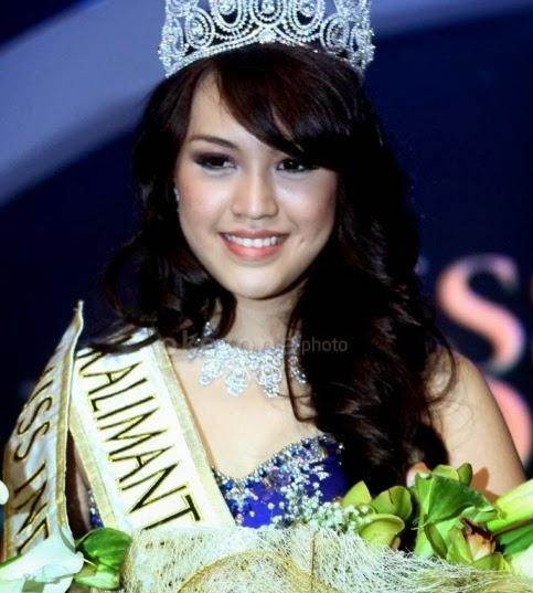 HOT Foto] Koleksi Foto Vania Larissa, Miss Indonesia 2013 Berumur 17 ...