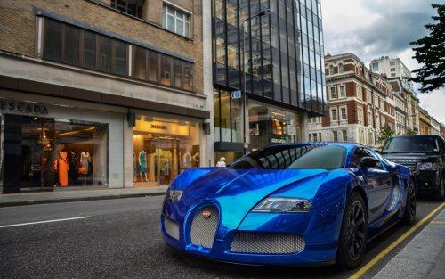 Parked Bugatti Veyron Hd Wallpaper Download