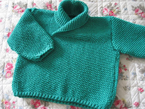 Babytrøje i perlestrik