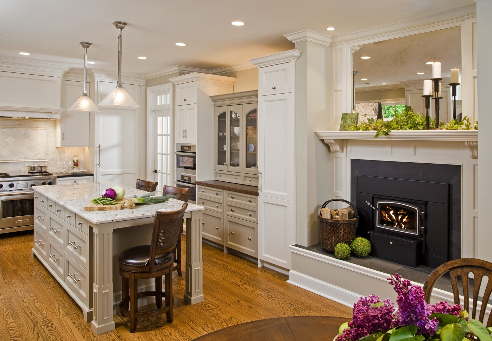 Superior Woodcraft, Inc. - Custom Cabinetry: Classic Manor Kitchen