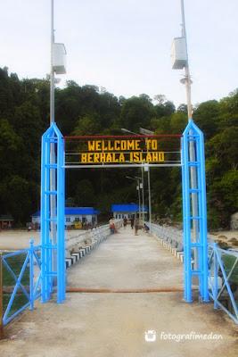 gerbang dermaga pelabuhan pulau berhala