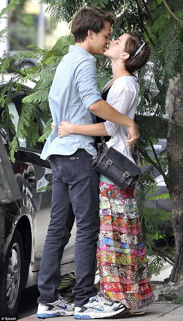 Emma Watson - Snogging With Johnny Simmons in LA