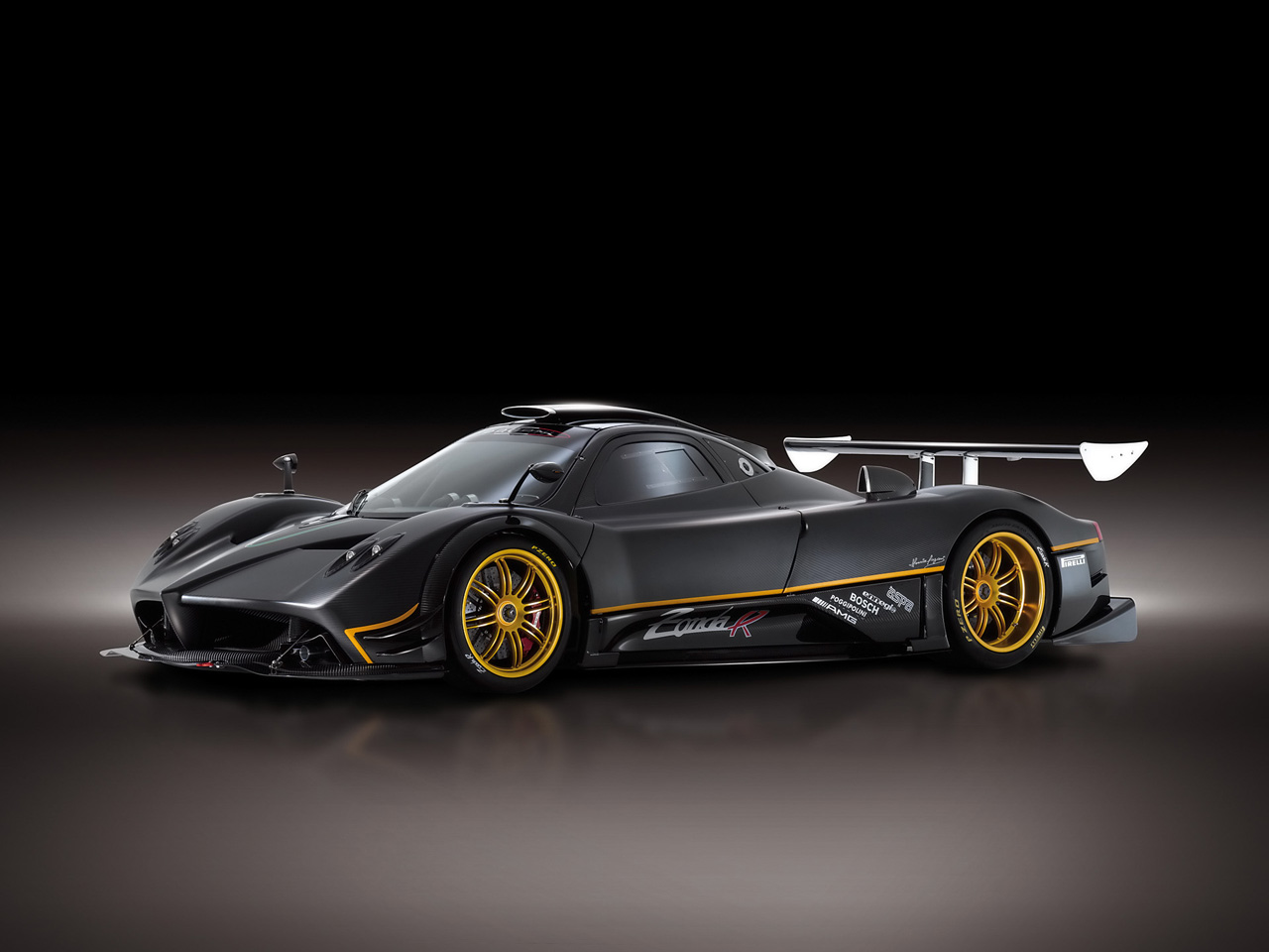 http://2.bp.blogspot.com/-veQO2Agv9Nw/TlifHTi8d1I/AAAAAAAAD_E/OaCfkr1LZJo/s1600/2009-pagani-zonda-r-2-pictures-cars-wallpapers.jpg