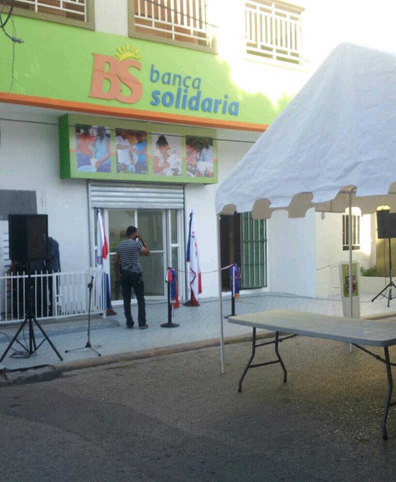 Banca solidaria apertura oficinas en san juan de la for A banca oficinas