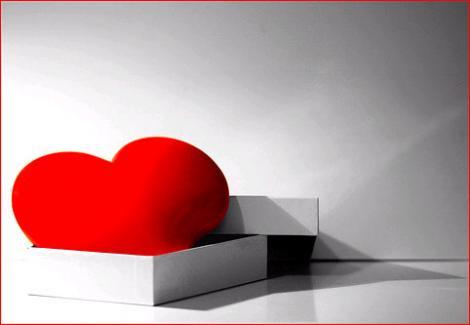 http://2.bp.blogspot.com/-veVrVogq1Bg/UOmk32VuibI/AAAAAAAAAN8/5ba3d-vz0N8/s1600/regalo1_med.jpg