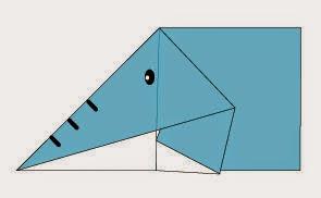 Bước 5: Vẽ mặt con voi để hoàn thành cách xếp con Voi bằng giấy origami đơn giản.