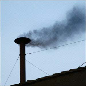 Sai a primeira fumaça preta deste Conclave
