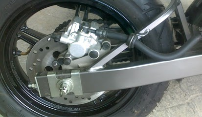 Tips dan Cara Modifikasi Pasang Swing Arm Aftermarket Yamaha New V-Ixion