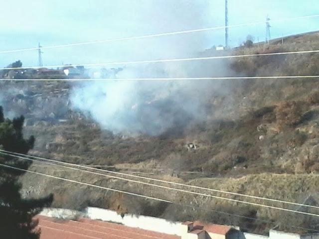 imagenes del fuego en la ladera del rio