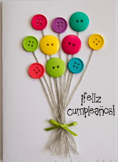 http://www.guiademanualidades.com/colorida-tarjeta-con-botones-33383.htm