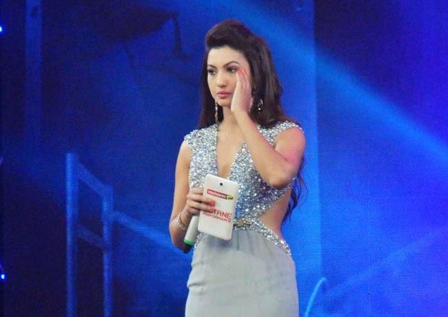 Gauhar khan beautiful pictures, Gauhar Khan sexy images, Gauhar Khan transperent dress picture, Gauhar Khan backless wallpaper,