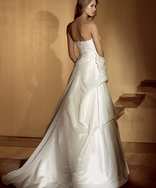 High low ivory bridal gown for Ivory and silver wedding dress