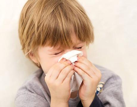 Những mẹo giúp phòng bệnh viêm mũi dị ứng cho trẻ em