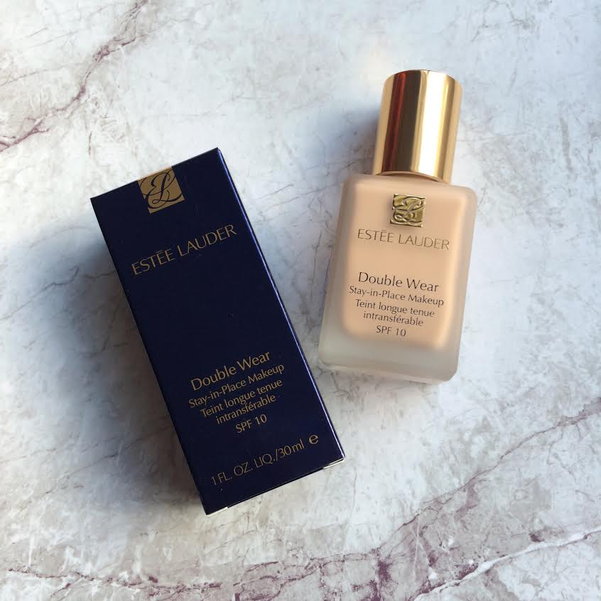 Estée Lauder Double Wear Foundation Review, Photos and Swatches