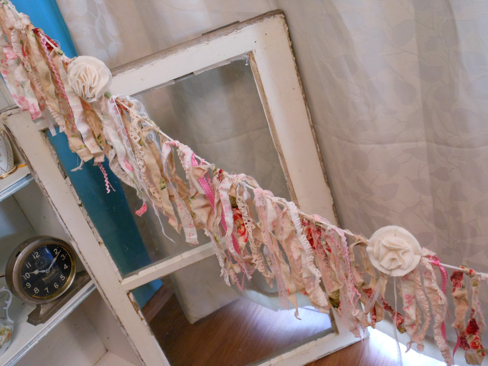 My sparrows nest shabby chic garland for Shabby chic garland lights