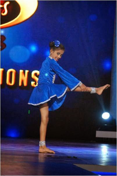 Palak dancing beautifully in DID L'il Masters Final Auditions