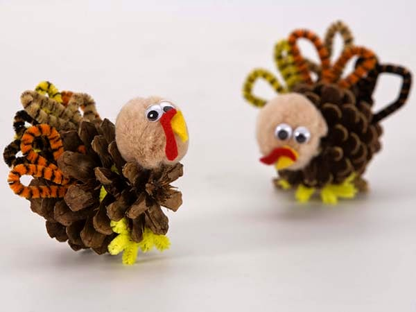 Pinecone Turkey Craft.