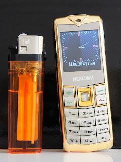 handphone Nexcom Terkecil