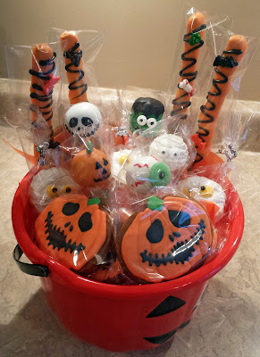 Halloween gift baskets, Hallowe'en gift baskets,