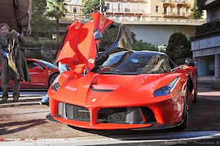 Erster Ferrari LaFerrari in Privatbesitz auf öffentlichen Straßen von Monaco gespotet