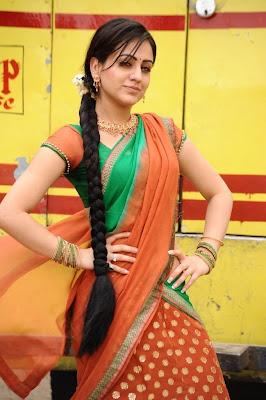 aksha in saree unseen pics